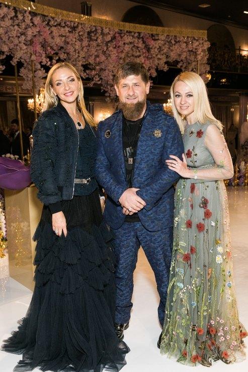 Тимати и Рудковаская станцевали лезгинку на модном показе Firdaws в Грозном - Фото №9