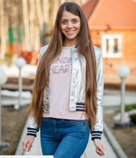 Ольга Рапунцель спровоцировала разборки между фанатами своей фотографией
