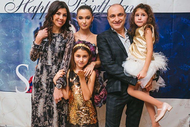 Михаил Турецкий с семьёй посетил Звёздный городок
