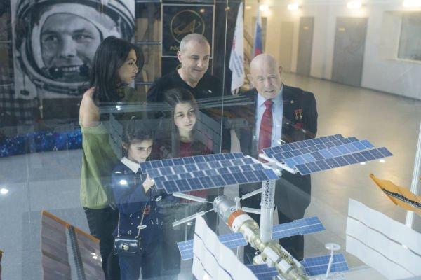 Михаил Турецкий с семьёй посетил Звёздный городок - Фото №5