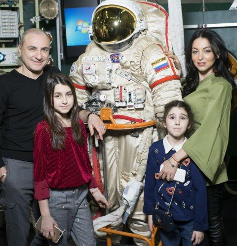 Михаил Турецкий с семьёй посетил Звёздный городок - Фото №4