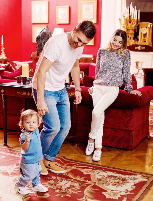 Галина Юдашкина и Петр Максаков провели первую фотосессию с сыном - Фото №3