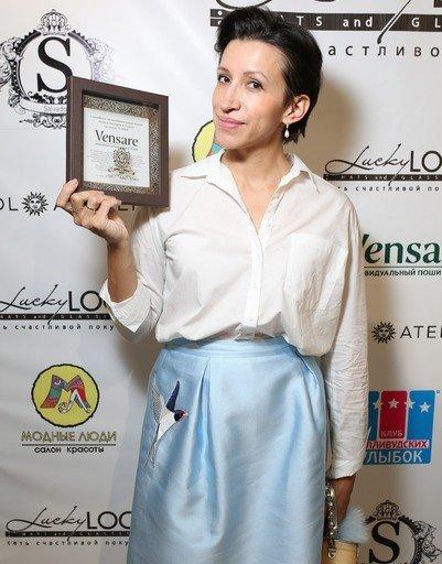 На звездном коктейле Глафира Тарханова показала округлившийся животик - Фото №5