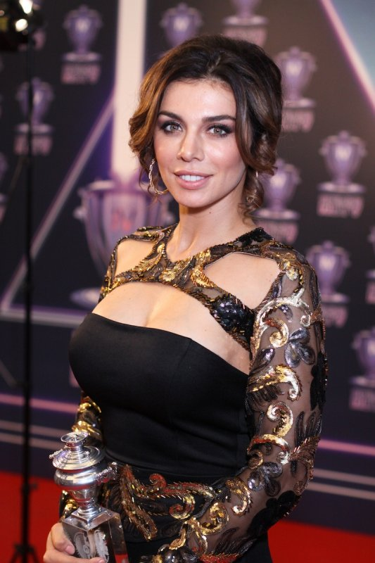 Анна Седокова вышла из декрета