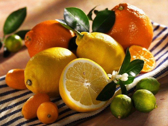 От каких фруктов и овощей летом лучше отказаться