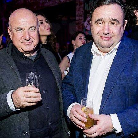 Шнурова и Киценко продавали мороженое на благотворительном вечере - Фото №14