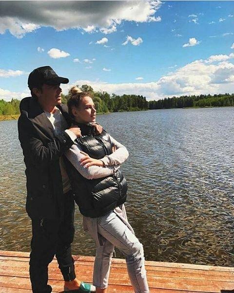 Кузин и Артемова определились с местом свадьбы и датой