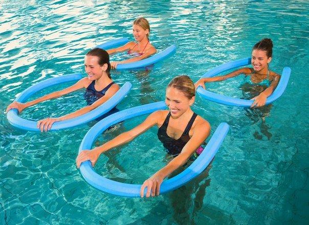 Фитнес в бассейне: приятно и полезно
