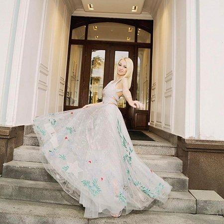 Яна Рудковская пригласила звёздных подруг на девичник перед венчанием - Фото №7