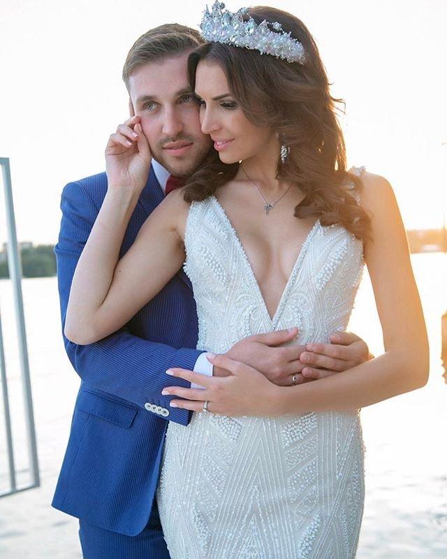 Элла и Игорь Трегубенко отмечают годовщину свадьбы