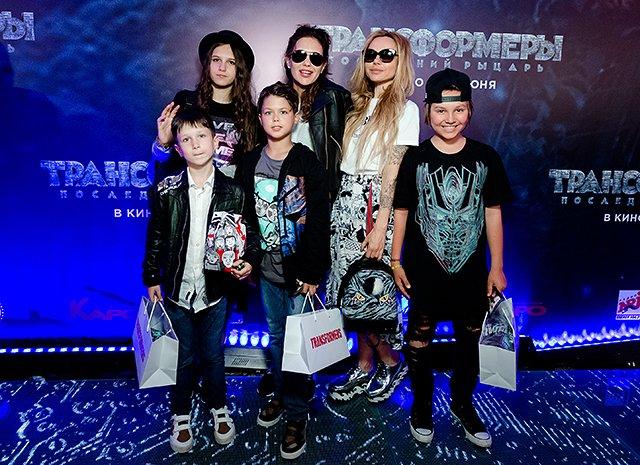 Селебрити и их дети на премьере очередных «Трансформеров»