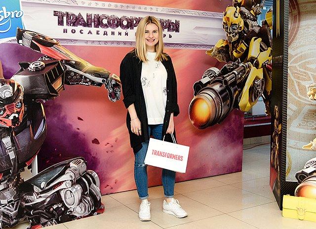 Селебрити и их дети на премьере очередных «Трансформеров» - Фото №12