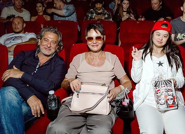 Селебрити и их дети на премьере очередных «Трансформеров» - Фото №15