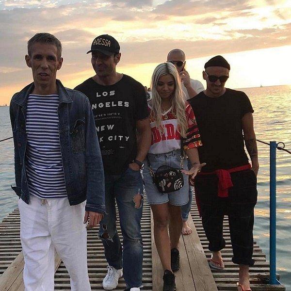 Стас Костюшкин показал клип с участием Алексея Панина