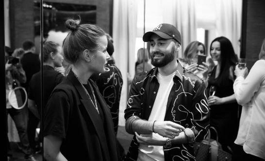 Мот с супругой побывали на презентации часов от Louis Vuitton - Фото №5
