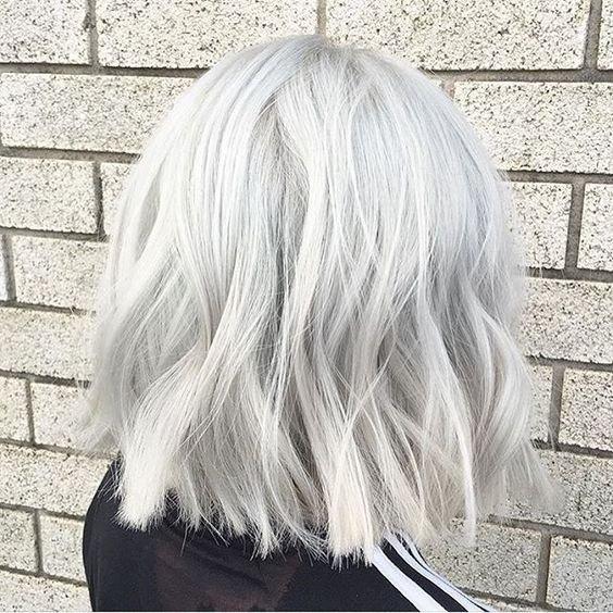 Как сохранить светлый оттенок волос без желтизны