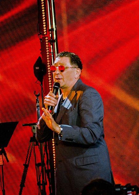 Звёзды на закрытии фестиваля Лаймы Вайкуле в Юрмале - Фото №7