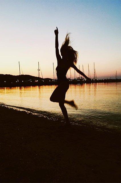 Светлана Ходченкова проводит отпуск в Греции - Фото №10