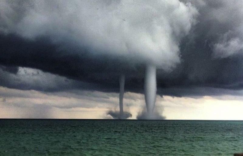 МЧС продлило экстренное предупреждение о смерче по Черноморскому побережью
