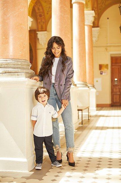 Селебрити примеряли на своих детей школьную форму от H&M - Фото №4