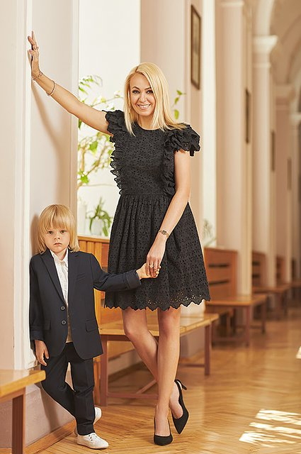 Селебрити примеряли на своих детей школьную форму от H&M - Фото №5