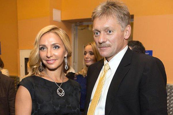 Дмитрий Песков и Татьяна Навка празднуют бумажную свадьбу