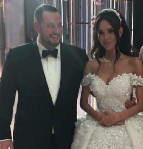 Модель Ксения Царицына наконец-то вышла замуж за олигарха