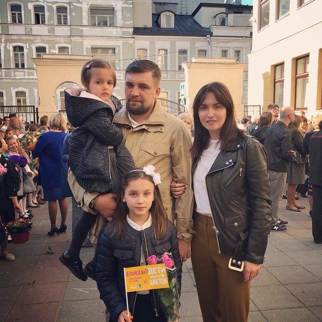 Водонаева, Погребняк, Лобода и другие звёздные родители отвели детей в школу - Фото №12
