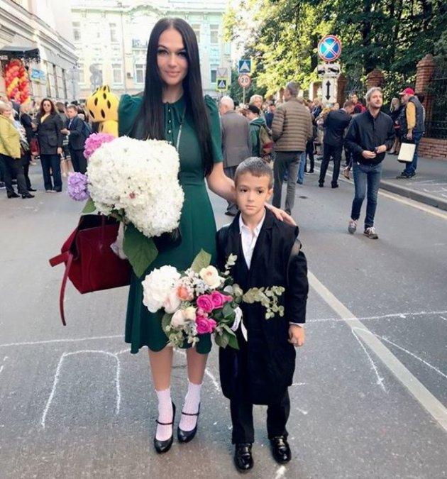 Водонаева, Погребняк, Лобода и другие звёздные родители отвели детей в школу - Фото №13