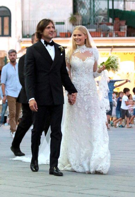 Самые шикарные свадьбы знаменитостей, сыгранные во второй половине лета - Фото №5