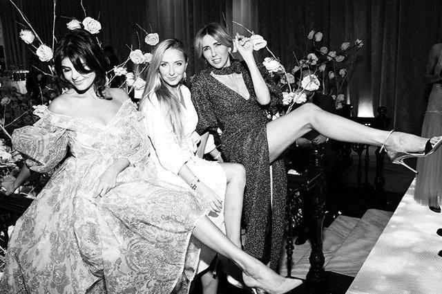 Наряды невесты и звездные гости на венчании Рудковской и Плющенко - Фото №3