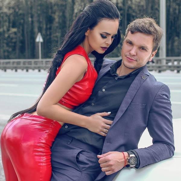 Антон Гусев и Виктория Романец тайно расписались
