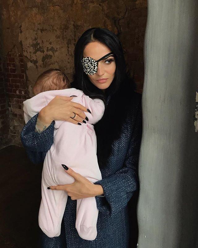 Алене Водонаевой не понравились намеки на беременность