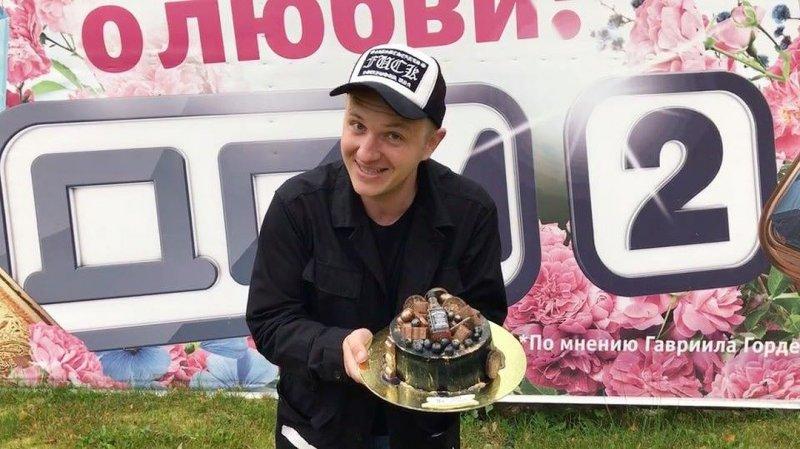 Илья Яббаров собирает документы на усыновление ребенка Рапунцель