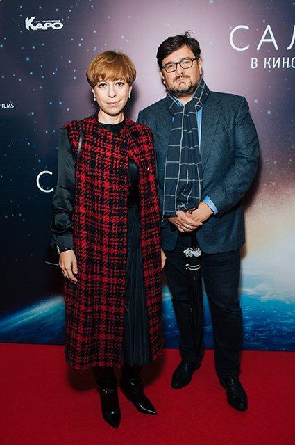 Елена Лядова поддержала Владимира Вдовиченкова на премьере «Салют-7» - Фото №2