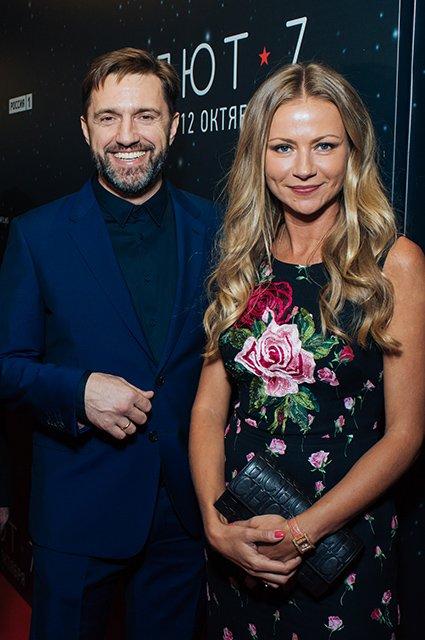 Елена Лядова поддержала Владимира Вдовиченкова на премьере «Салют-7» - Фото №11