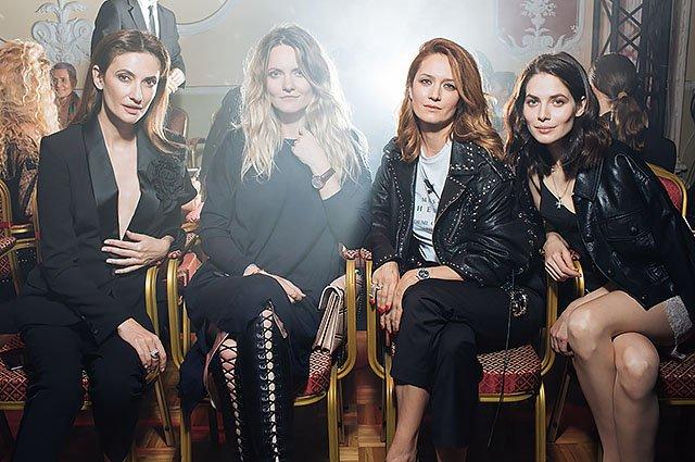 Знаменитые модники на показе Maison Bohemique - Фото №14