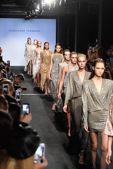 Звёздные модницы поддержали Александра Терехова - Фото №11