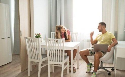 Дарина Маркина и Никита Кузнецов получили ключи от квартиры