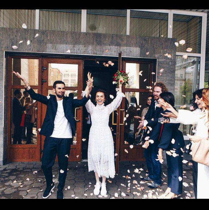 Сати Казанова показала, как прошла её первая свадьба - Фото №1