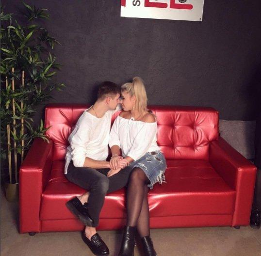 Кохно и Дмитренко устроили откровенные танцы в ресторане