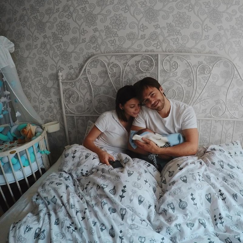 Возлюбленная Ивана Жидкова пожаловалась на адскую боль во время родов