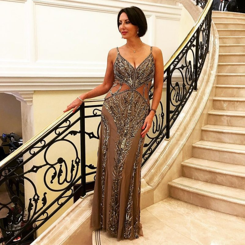 Платье Алики Смеховой на юбилее предприятия «Газпрома» произвело фурор