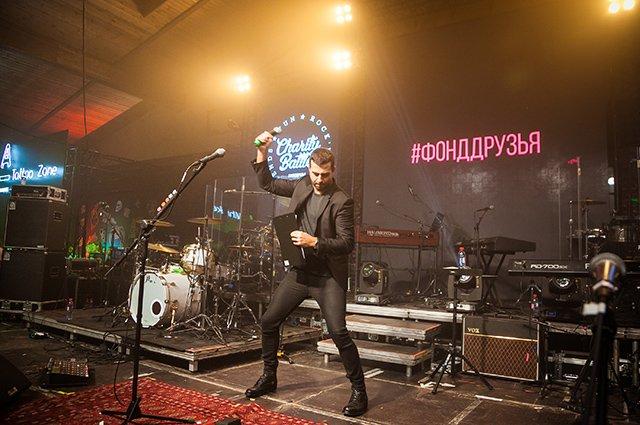 Собчак, Ургант, Киценко и другие на рок-вечеринке - Фото №8