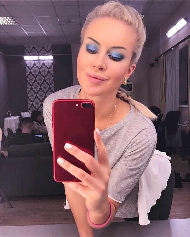 Марина Африкантова готова родить от Романа Капаклы
