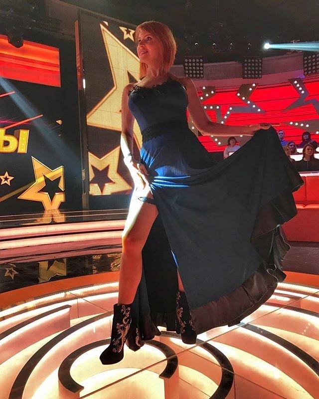 Наталья Штурм осваивает новое упражнение, чтобы не опозориться на сцене