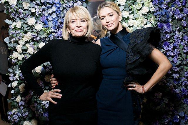 Вера Брежнева с мамой на модном показе