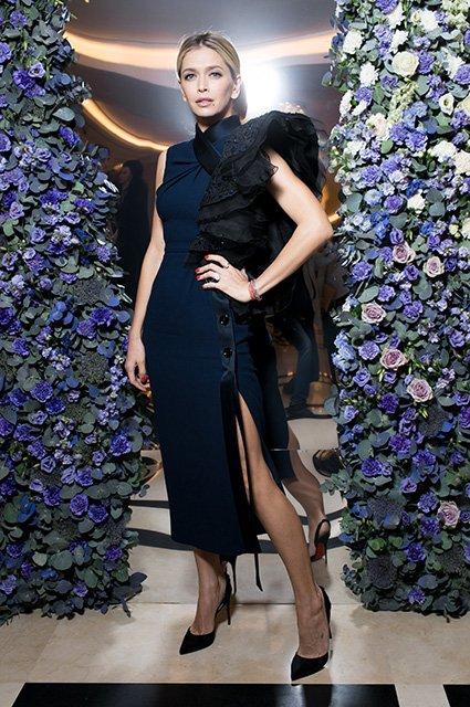 Вера Брежнева с мамой на модном показе - Фото №2