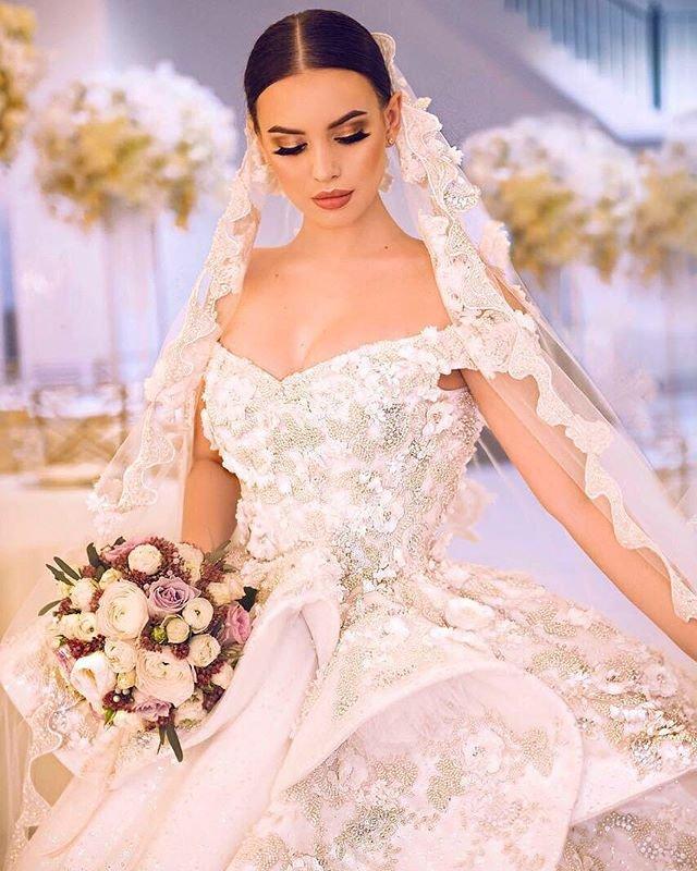 Информатор со свадьбы Кузина и Артемовой разоблачил обман с платьем