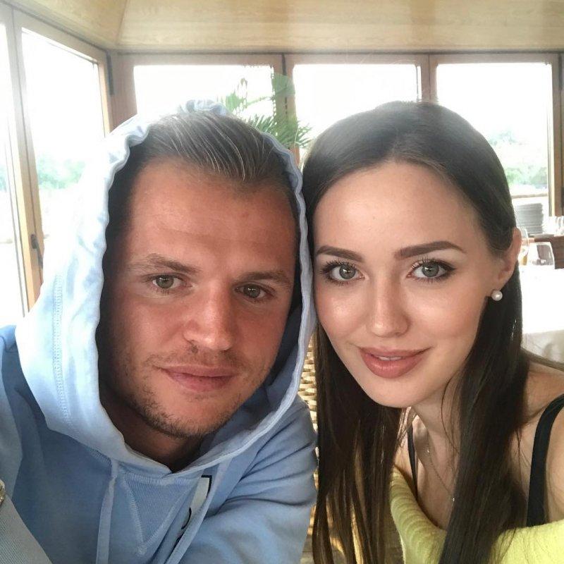 Солнцев прокомментировал откровенную фотосессию экс-супруга Бузовой